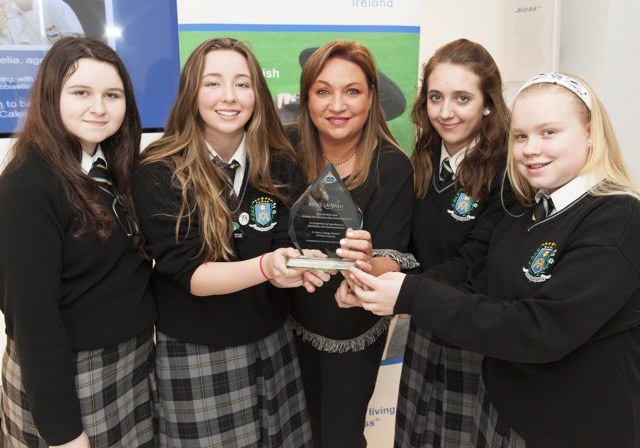 Norah Casey with students of St. Mary's College, Dundalk with a Make-A-Wish 'Kids for Wish Kids' award for excellence in 'Marketing and Communications' for their UPCYCLE Trade Fair fundraiser